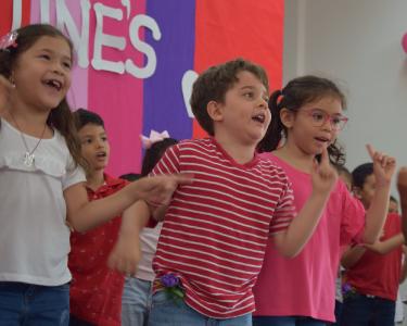 Inmersos en una Cultura Bilingüe - Valentine's Day